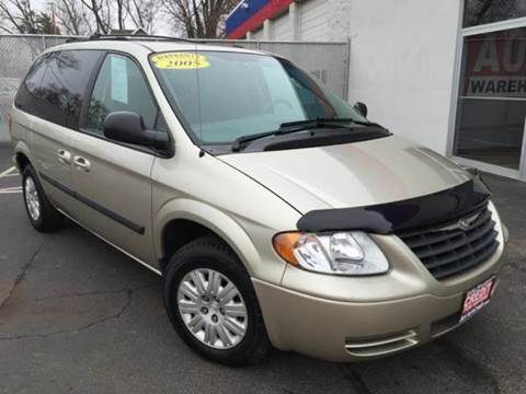 2005 Chrysler Town and Country for sale in Waukegan, IL