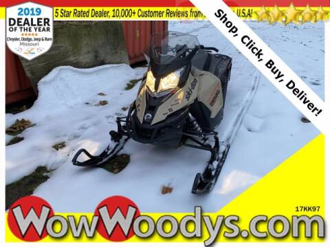 2017 Ski-Doo RENEGADE Snowmobile