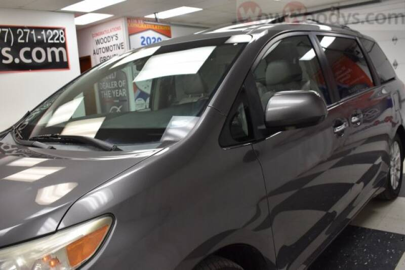 2011 Toyota Sienna  - Chillicothe MO