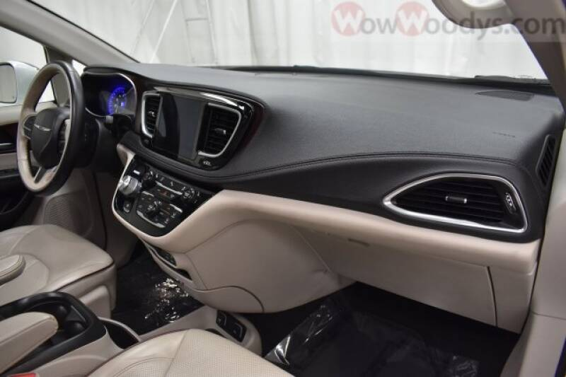 2019 Chrysler Pacifica Limited 4dr Mini-Van - Chillicothe MO