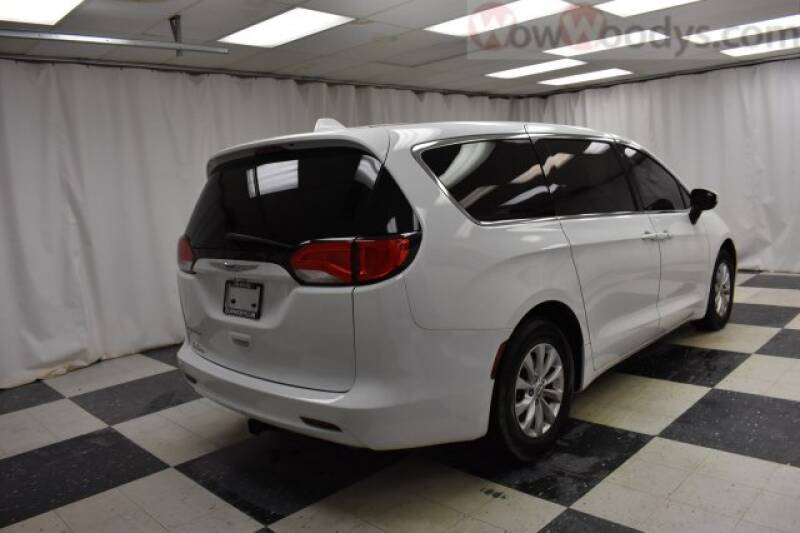 2017 Chrysler Pacifica Touring 4dr Mini-Van - Chillicothe MO