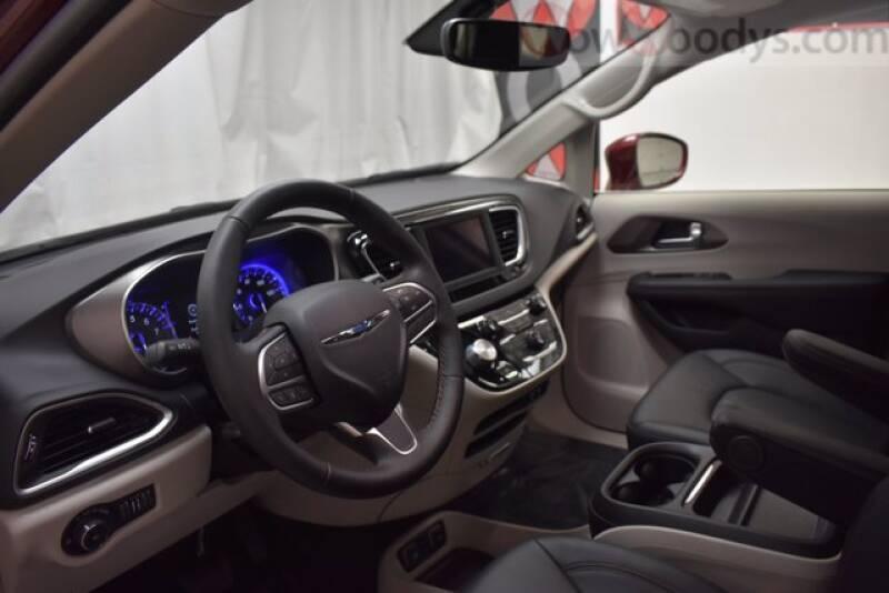 2020 Chrysler Pacifica Touring L 4dr Mini-Van - Chillicothe MO