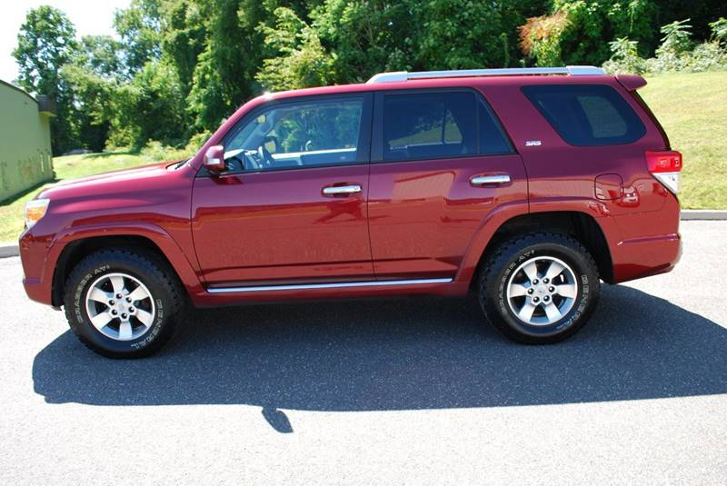 2011 toyota 4runner 4x4 sr5 4dr suv in new milford ct new milford motors. Black Bedroom Furniture Sets. Home Design Ideas