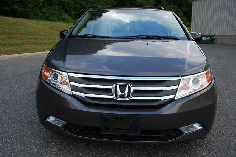 2013 Honda Odyssey Touring 4dr Mini Van In New Milford Ct