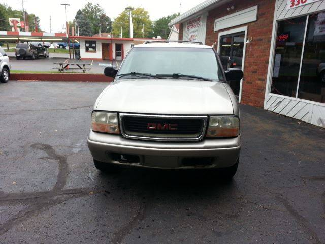 2000 GMC Envoy for sale at Modern Day Motor Cars LLC in Wadsworth OH