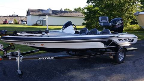 2015 NITRO Z6 // 115 COMMAND THRUST 4-STROKE // LOADED // MINT