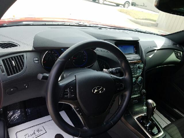 2014 Hyundai Genesis Coupe 2.0T R-Spec 2dCoupe - Mountain Home AR