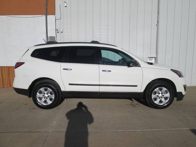 2015 Chevrolet Traverse for sale at Parkway Motors in Osage Beach MO
