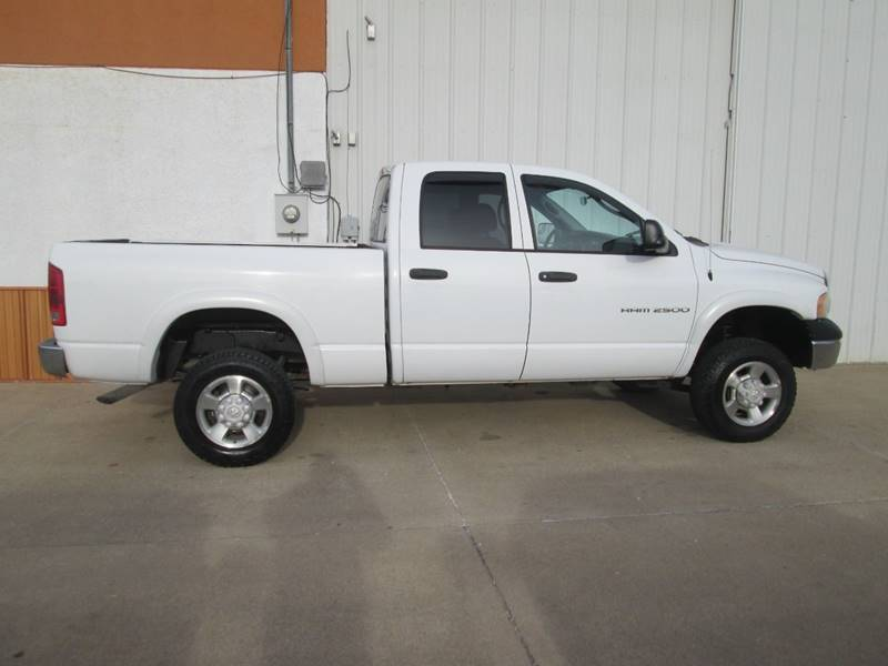 2005 Dodge Ram Pickup 2500 for sale at Parkway Motors in Osage Beach MO
