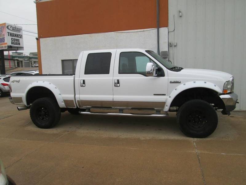 2002 Ford F-350 Super Duty for sale at Parkway Motors in Osage Beach MO
