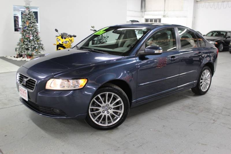 2008 Volvo S40 for sale at R n B Cars Inc. in Denver CO