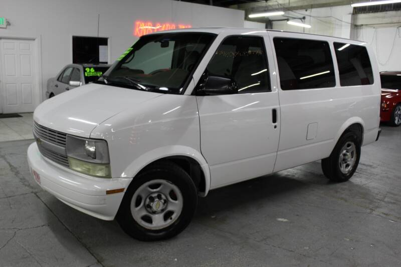 2004 Chevrolet Astro for sale at R n B Cars Inc. in Denver CO