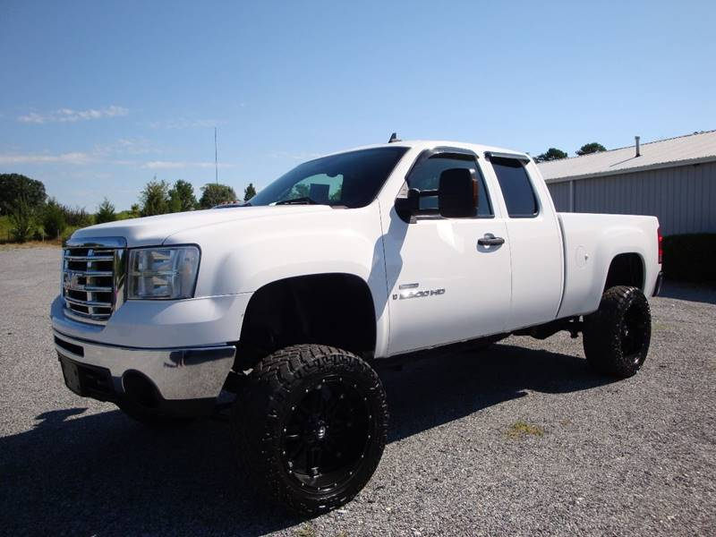 2007 GMC Sierra 2500HD for sale at First Choice Auto Sales in Lawndale NC