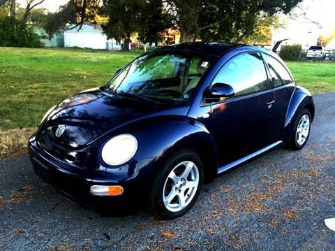 2000 Volkswagen New Beetle for sale at Cleveland Avenue Autoworks in Columbus OH