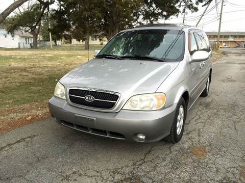2004 Kia Sedona for sale at Cleveland Avenue Autoworks in Columbus OH