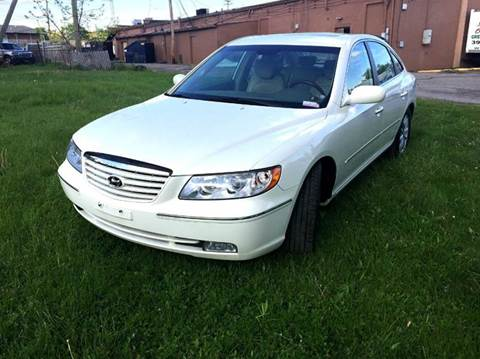 2006 Hyundai Azera for sale at Cleveland Avenue Autoworks in Columbus OH
