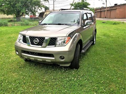 2005 Nissan Pathfinder for sale at Cleveland Avenue Autoworks in Columbus OH