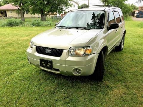 2005 Ford Escape for sale at Cleveland Avenue Autoworks in Columbus OH