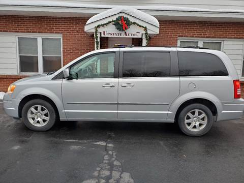 2009 Chrysler Town and Country for sale at UPSTATE AUTO INC in Germantown NY