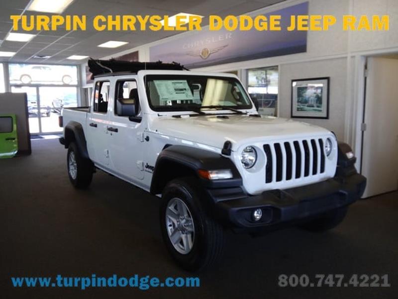 Turpin Dodge Dubuque >> 2020 Jeep Gladiator In Dubuque Ia Turpin Dodge Chrysler