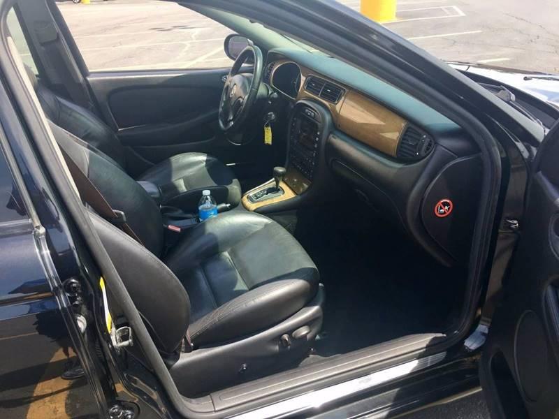 2002 Jaguar X-Type AWD 2.5 4dr Sedan - Chicago IL