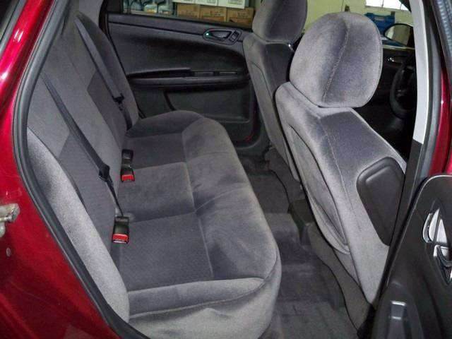 2010 Chevrolet Impala LT 4dr Sedan - Depere WI