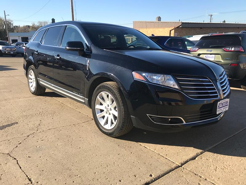 2017 Lincoln Mkt Town Car Awd Livery Fleet 4dr Crossover In