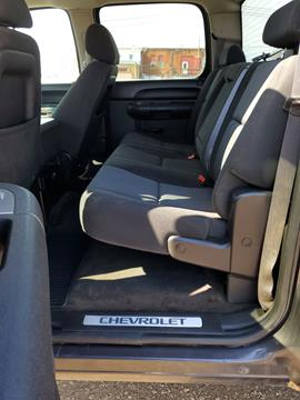 2011 Chevrolet Silverado 1500 4x4 LT 4dr Crew Cab 5 8 ft  SB In