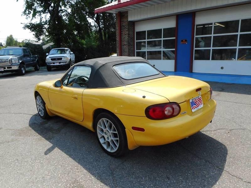 2002 Mazda MX-5 Miata for sale at Twin City Motors in Grand Forks ND