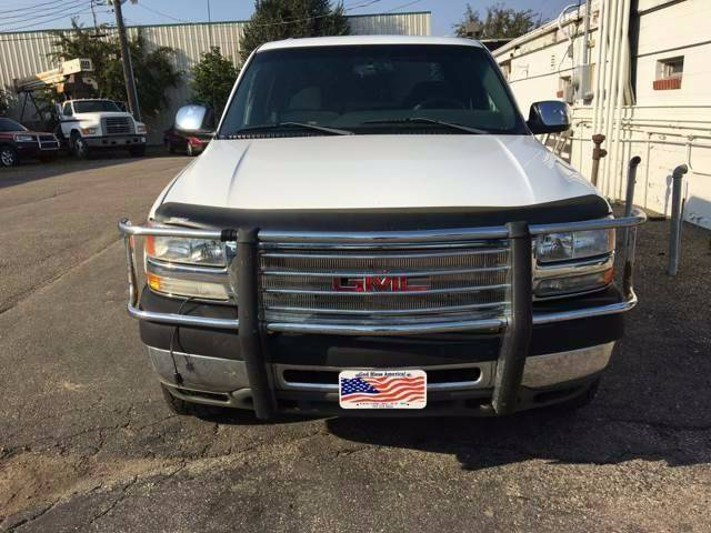 2002 GMC Sierra 2500HD for sale at Twin City Motors in Grand Forks ND