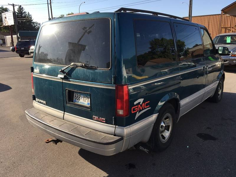 1998 GMC Safari for sale at Twin City Motors in Grand Forks ND
