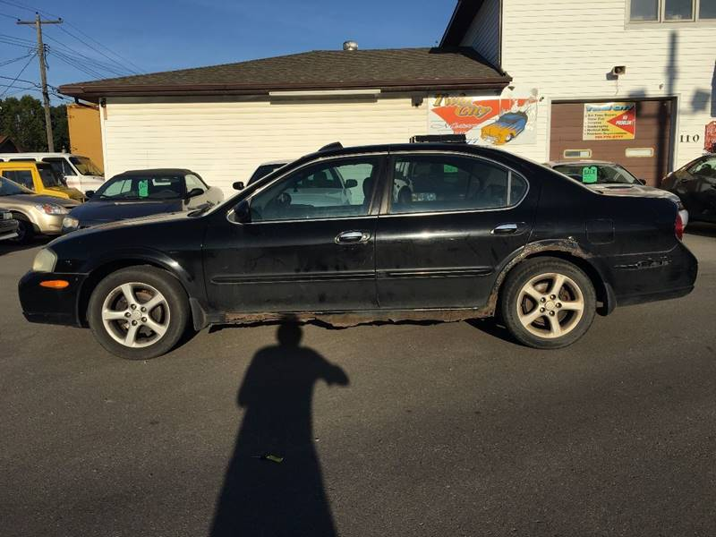 2000 Nissan Maxima for sale at Twin City Motors in Grand Forks ND