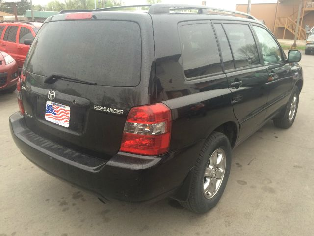2004 Toyota Highlander for sale at Twin City Motors in Grand Forks ND
