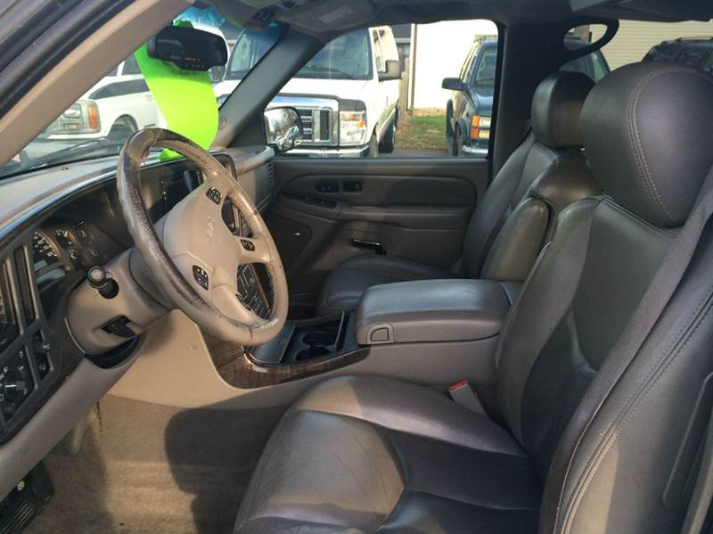 2005 GMC Yukon XL for sale at Twin City Motors in Grand Forks ND