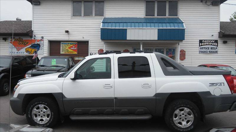 2002 Chevrolet Avalanche for sale at Twin City Motors in Grand Forks ND