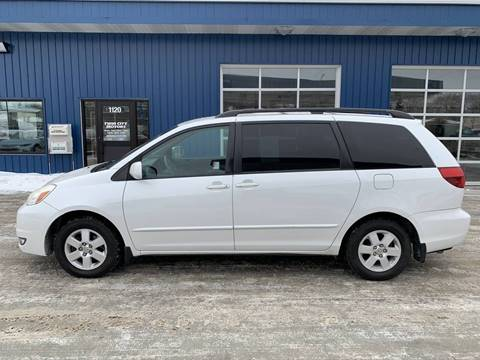 2005 Toyota Sienna for sale at Twin City Motors in Grand Forks ND