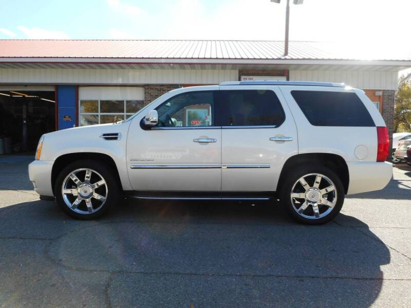 2013 Cadillac Escalade for sale at Twin City Motors in Grand Forks ND