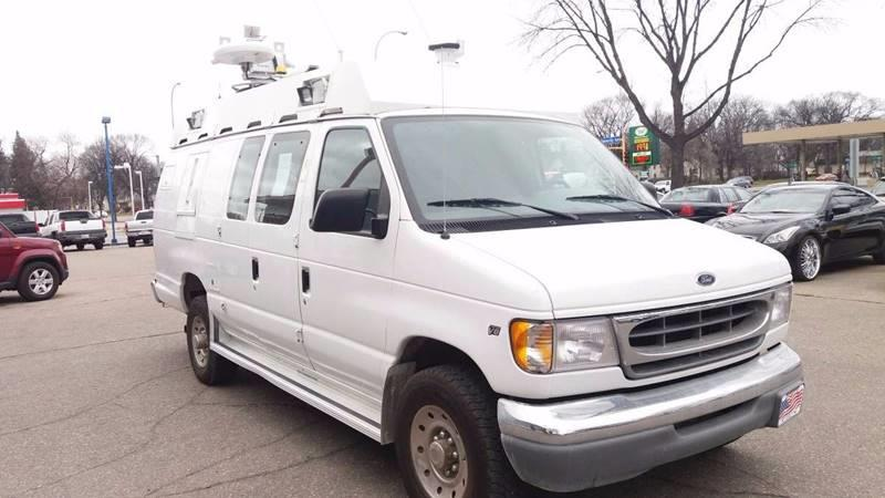 2000 Ford E-350 for sale at Twin City Motors in Grand Forks ND