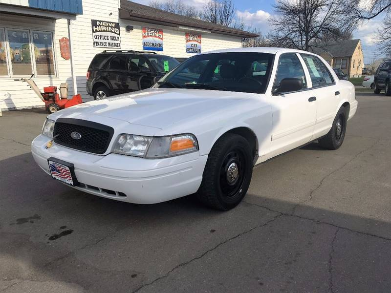2009 Ford Crown Victoria for sale at Twin City Motors in Grand Forks ND