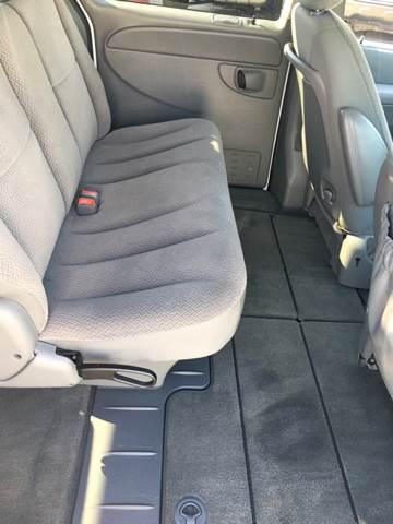 2006 Dodge Grand Caravan for sale at Auto World Auto Sales in Modesto CA