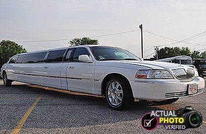 2006 Lincoln Town Car for sale at Ultra Auto Center in North Attleboro MA
