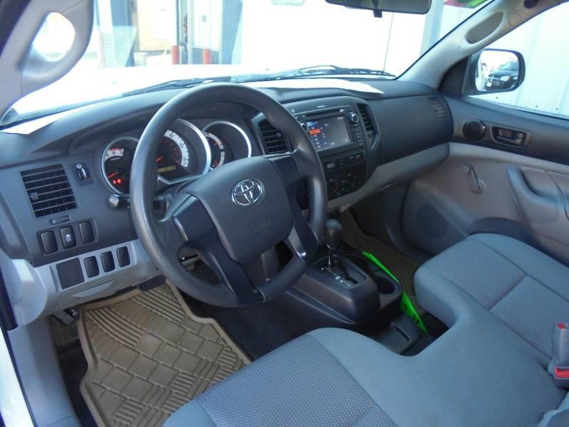 2013 Toyota Tacoma 4x2 2dr Regular Cab 6.1 ft SB 4A - Hartford WI