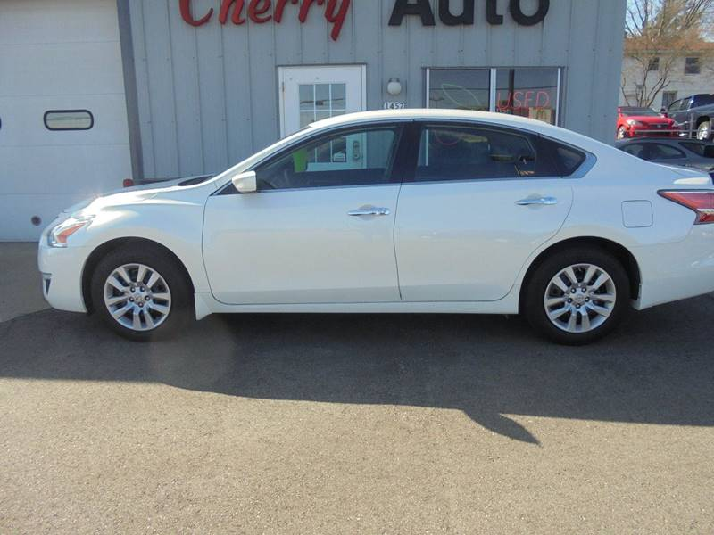2014 Nissan Altima 2.5 S 4dr Sedan - Hartford WI