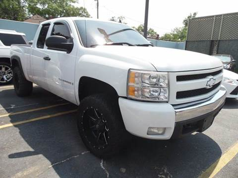 2007 Chevrolet Silverado 1500 for sale at Gus's Used Auto Sales in Detroit MI