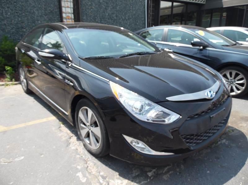 2011 Hyundai Sonata Hybrid for sale at Gus's Used Auto Sales in Detroit MI