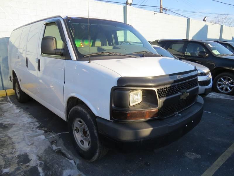 2011 Chevrolet Express Cargo 2500 3dr Cargo Van w/ 1WT - Detroit MI