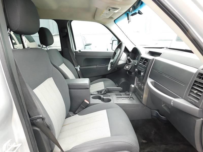 2010 Jeep Liberty 4x4 Sport 4dr SUV - Detroit MI