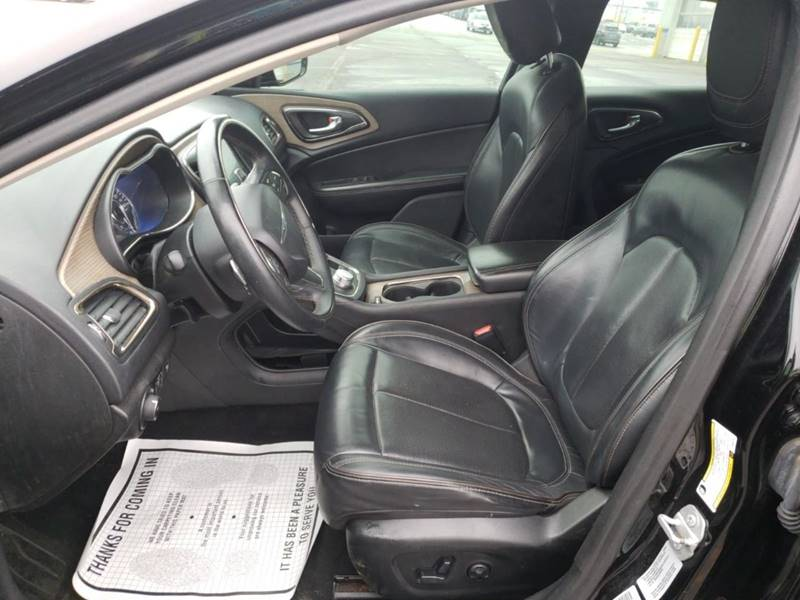 2015 Chrysler 200 AWD C 4dr Sedan - Detroit MI