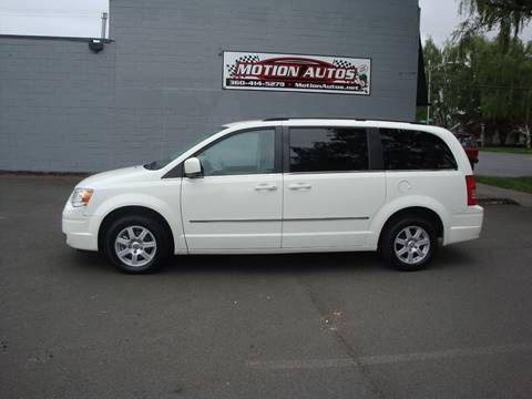 2010 Chrysler Town and Country for sale in Longview, WA