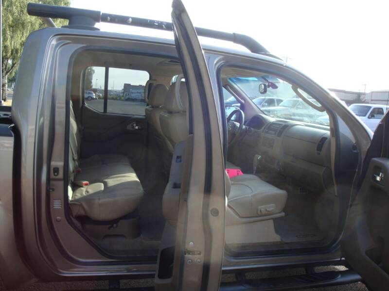 2005 Nissan Frontier LE CREW CAB 4X4 V6 AUTO ALLOYS LEATHER MOONROOF - Longview WA